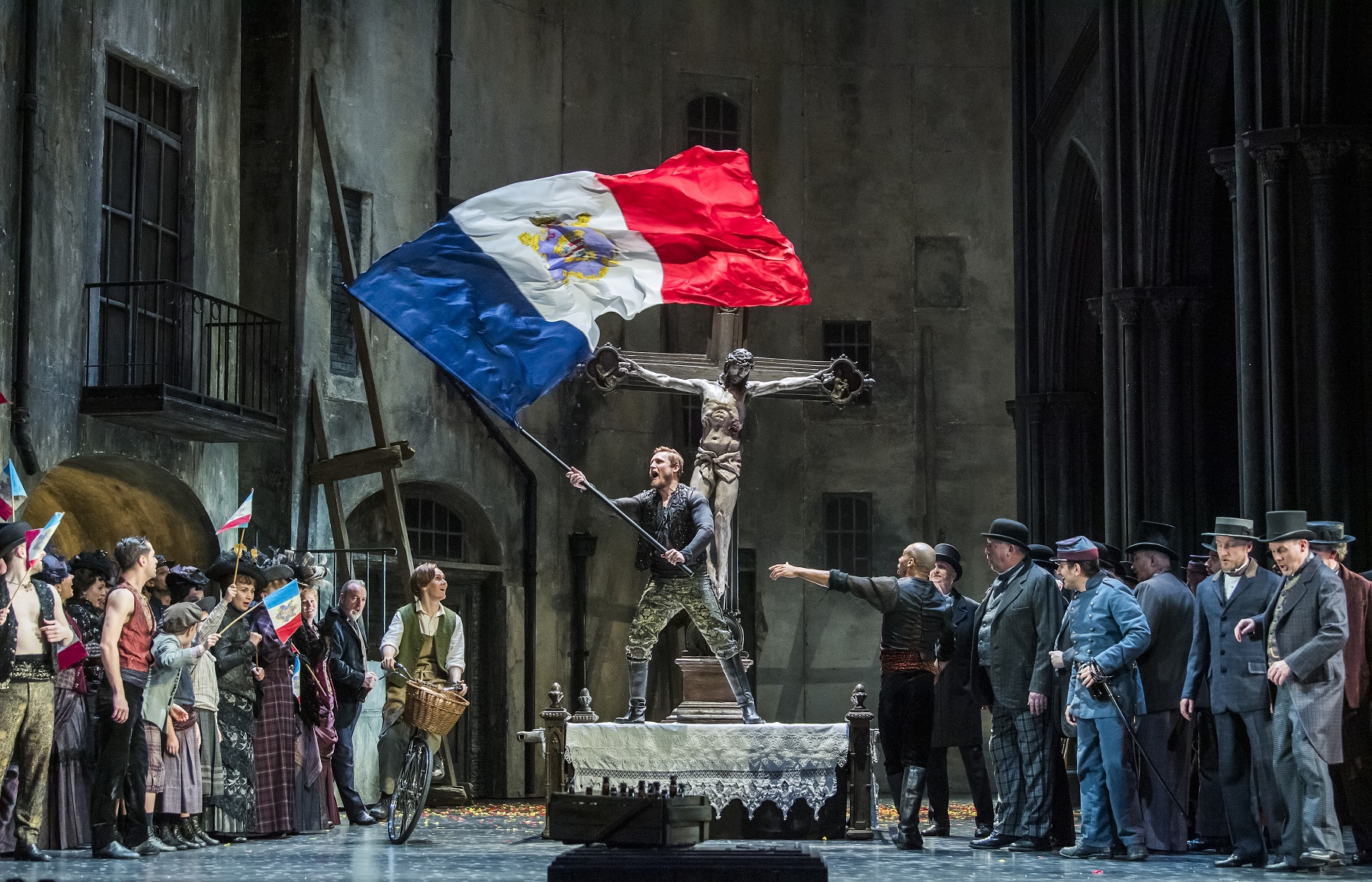A scene from Faust by Gounod @ Royal Opera House. Directed by David McVicar. Conductor, Dan Ettinger. (Opening 11-04-19)